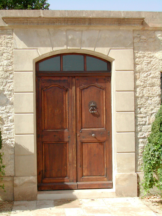 ... Facade with front door. Zoom & Facade with front door our achievements . Portes Antiques